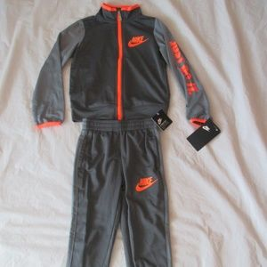 Nike Boys Tracksuit 2 Piece Gray Orange 86C626-693